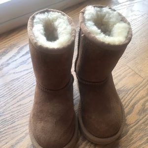 Toddler Uggs - size 8